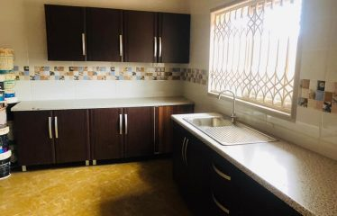 5 BEDROOM HOUSE @ EAST AIRPORT